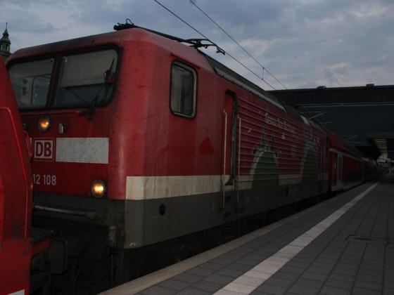 112 108 mit RB 86 in Lübeck Hbf