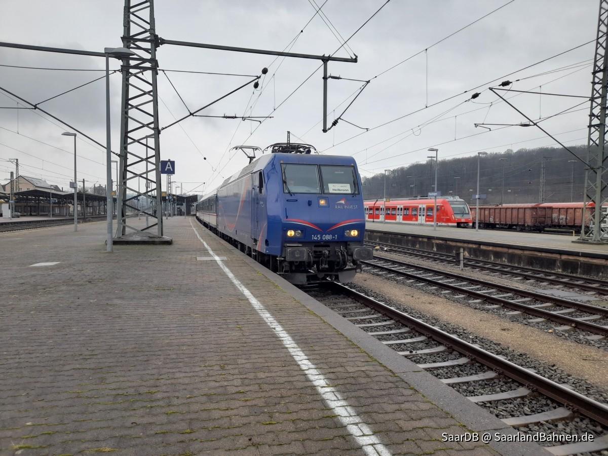 SRI 145 088-1 ''Stefanie'' mit N-Wagen Garnitur in Plochingen
